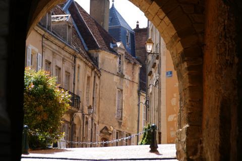 Porche_de_Belleme©tourisme61