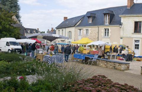 Blaison-Gohier_marché <sup>©</sup> Commune de Blaison