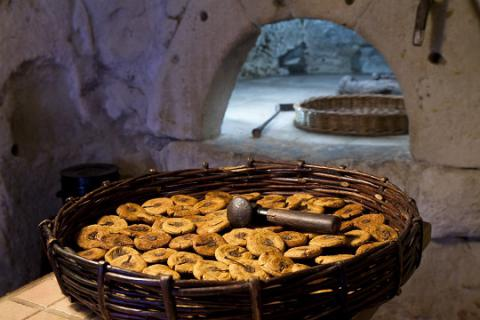 Turquant_panier de pommes tapées <sup>©</sup>J.-P. Berlose