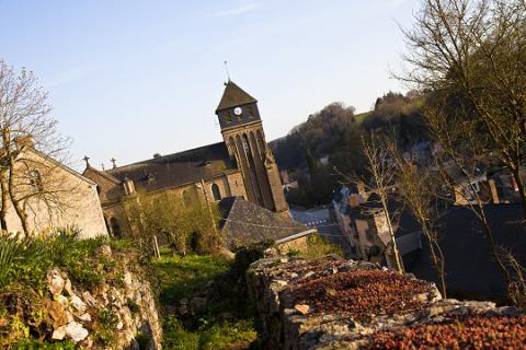 Chailland_église néogothique 2 <sup>©</sup> J.-P. Berlose