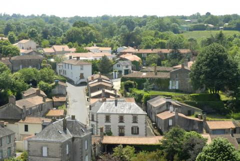 vue des toits d'Apremont-©Pont d'Yeu